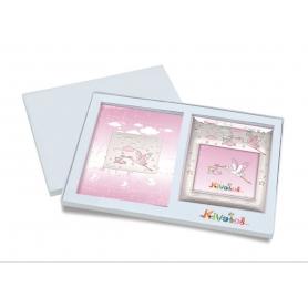 Ασημένιο σετ δώρου κορνίζα και άλμπουμ 919 πελαργός 15X15 για κορίτσι