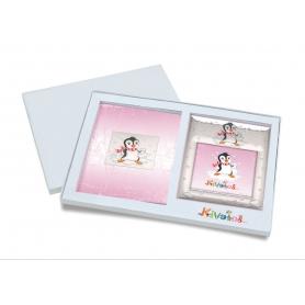 Ασημένιο σετ δώρου κορνίζα και άλμπουμ 920 πινγκουϊνάκι 15X15 για κορίτσι