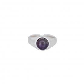 Δαχτυλίδι σε ασημί χρώμα με μωβ πέτρα. D-346-03-24-45